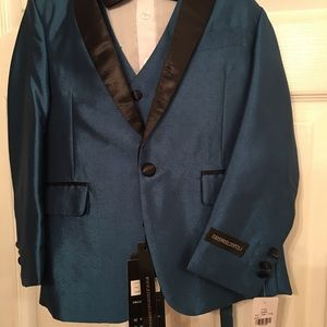 Other - Little boys brand new 5 piece tuxedo/suit size 7.